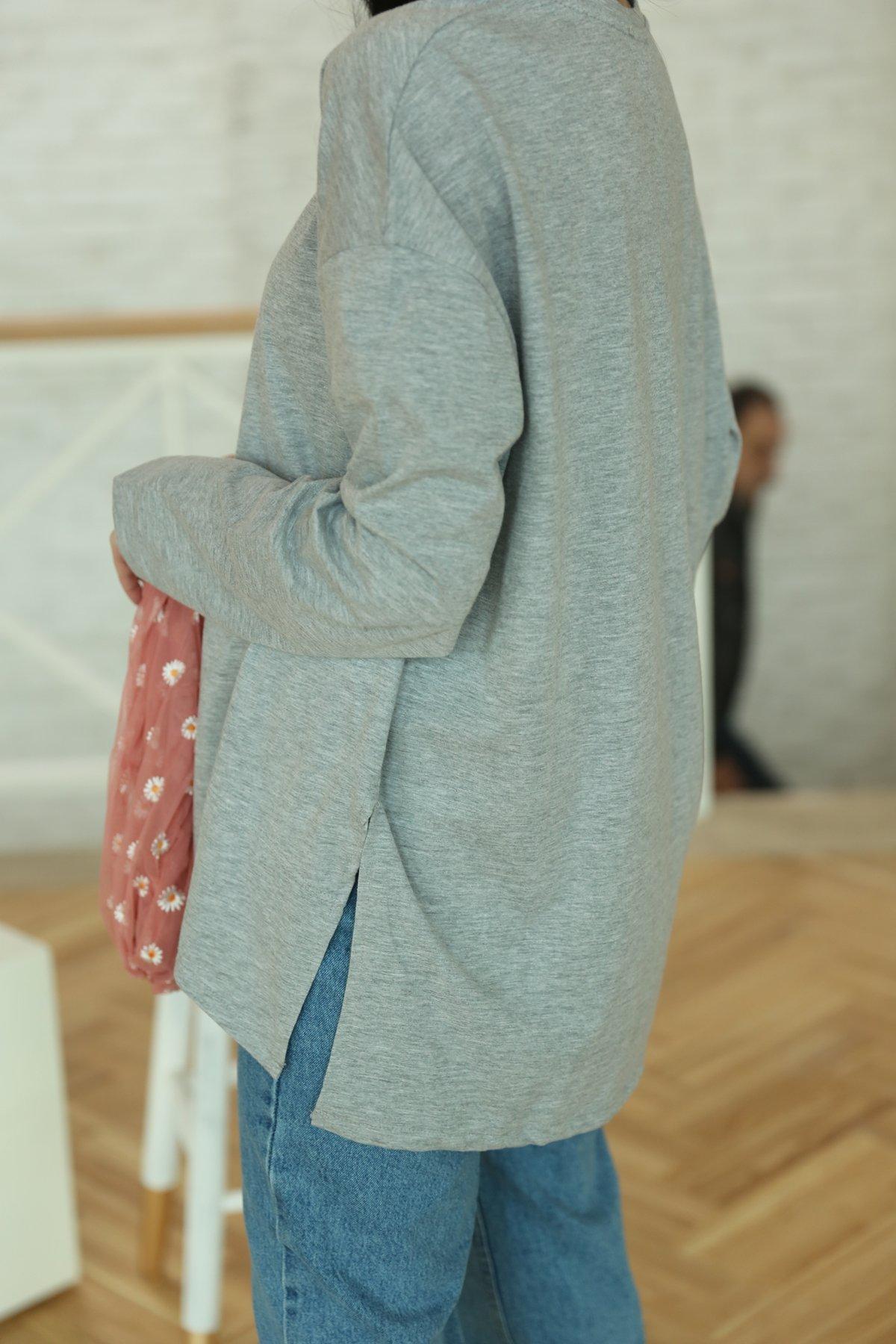 Özge Özgenç Yanları Yırtmaçlı Tişört