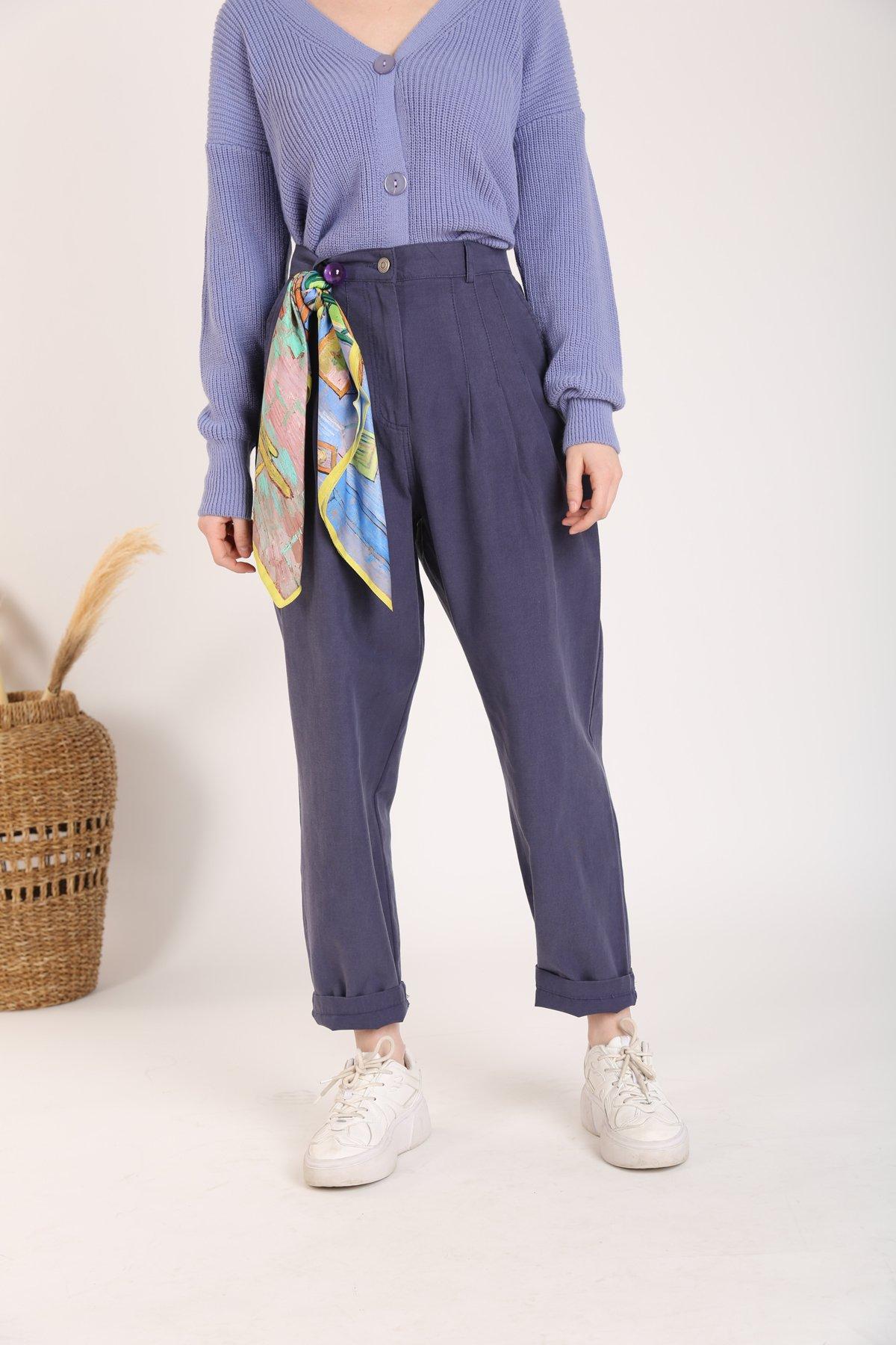 Pili Detay Pantolon