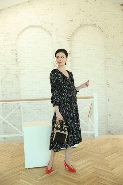 Siyah Üzeri Beyaz Benekli Elbise