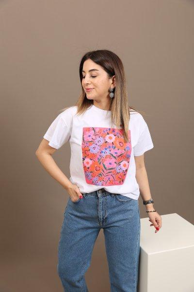 Çiçek Baskılı Tişört