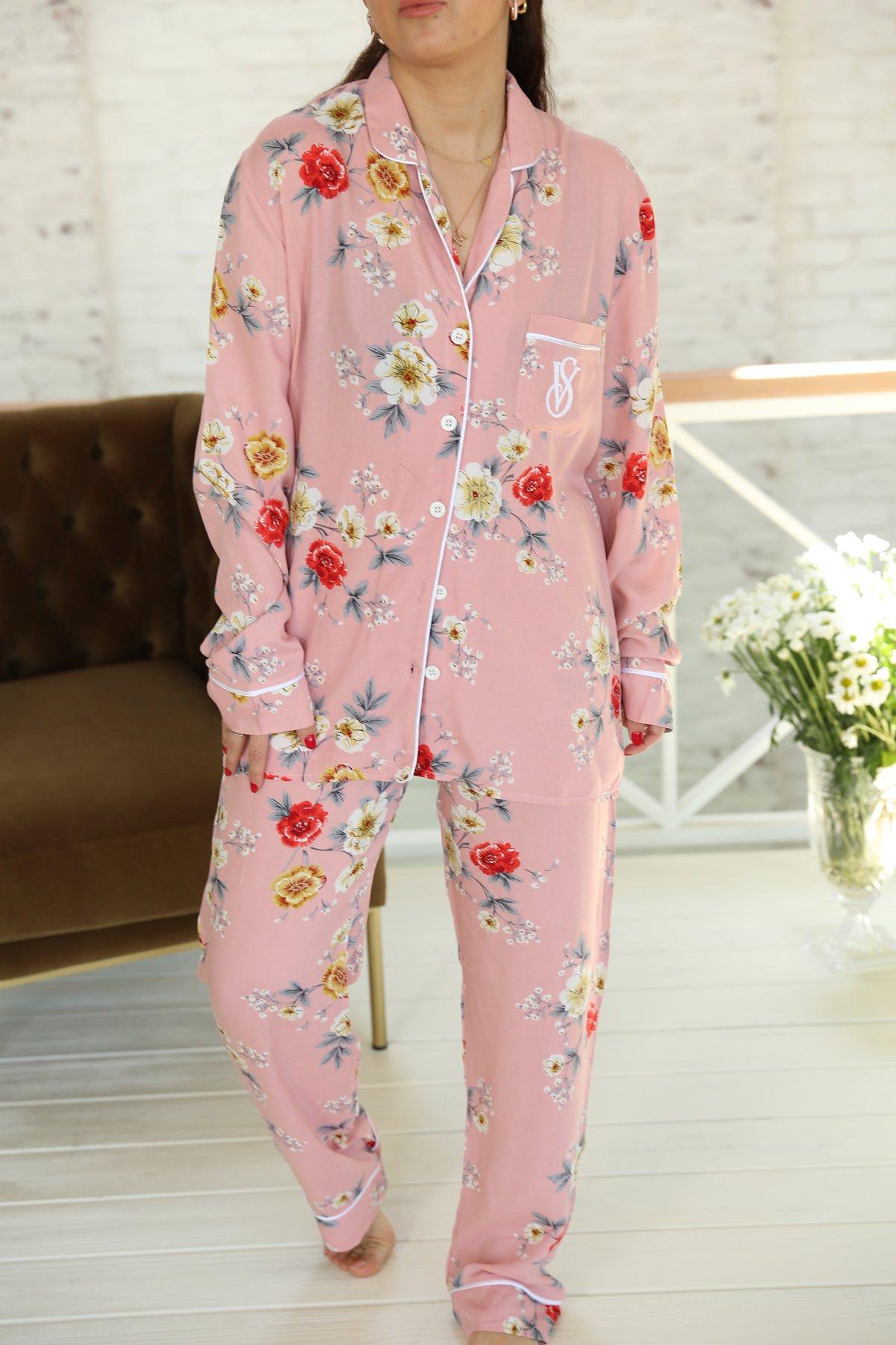 Çiçek Desen Önden Düğmeli Pijama Takımı