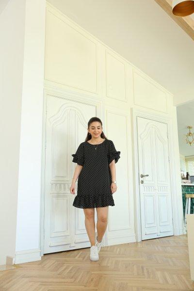 Siyah Kolları Ve Etek Ucu Fırfır Puantiyeli Elbise
