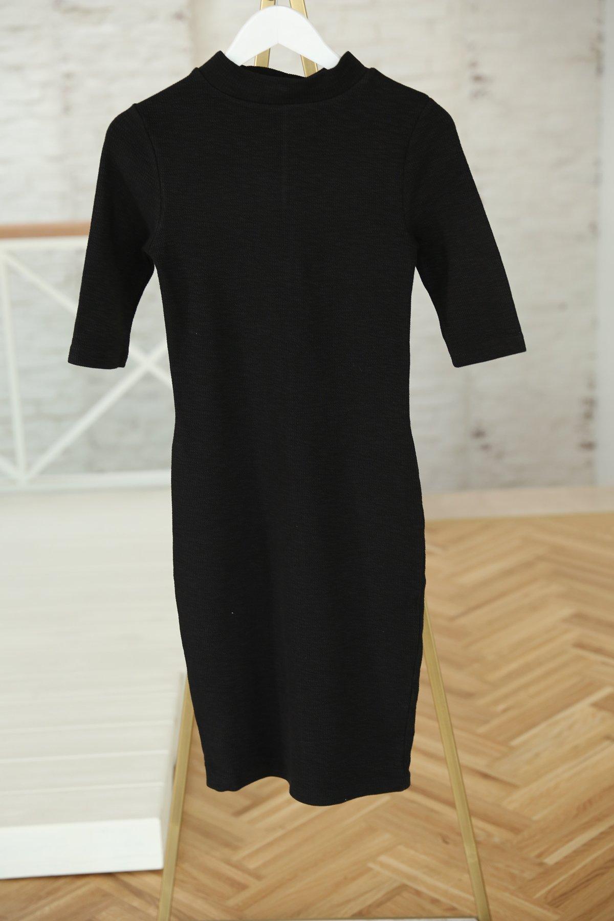 Siyah Yarım Balıkçı Yaka Kısa Kol Elbise