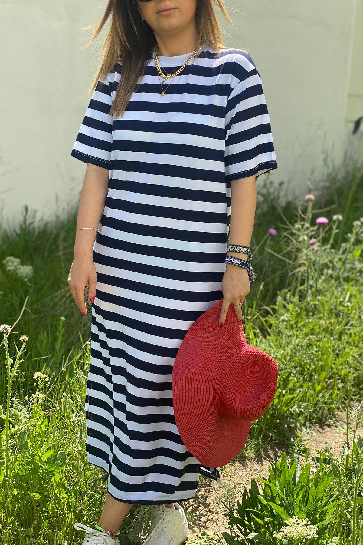 Kısa Kollu Çizgili Uzun Penye Elbise