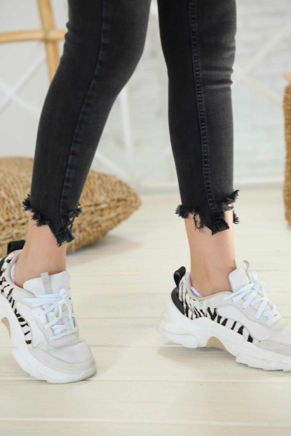 Antrasit Paçası Lazerli Skinny Jean