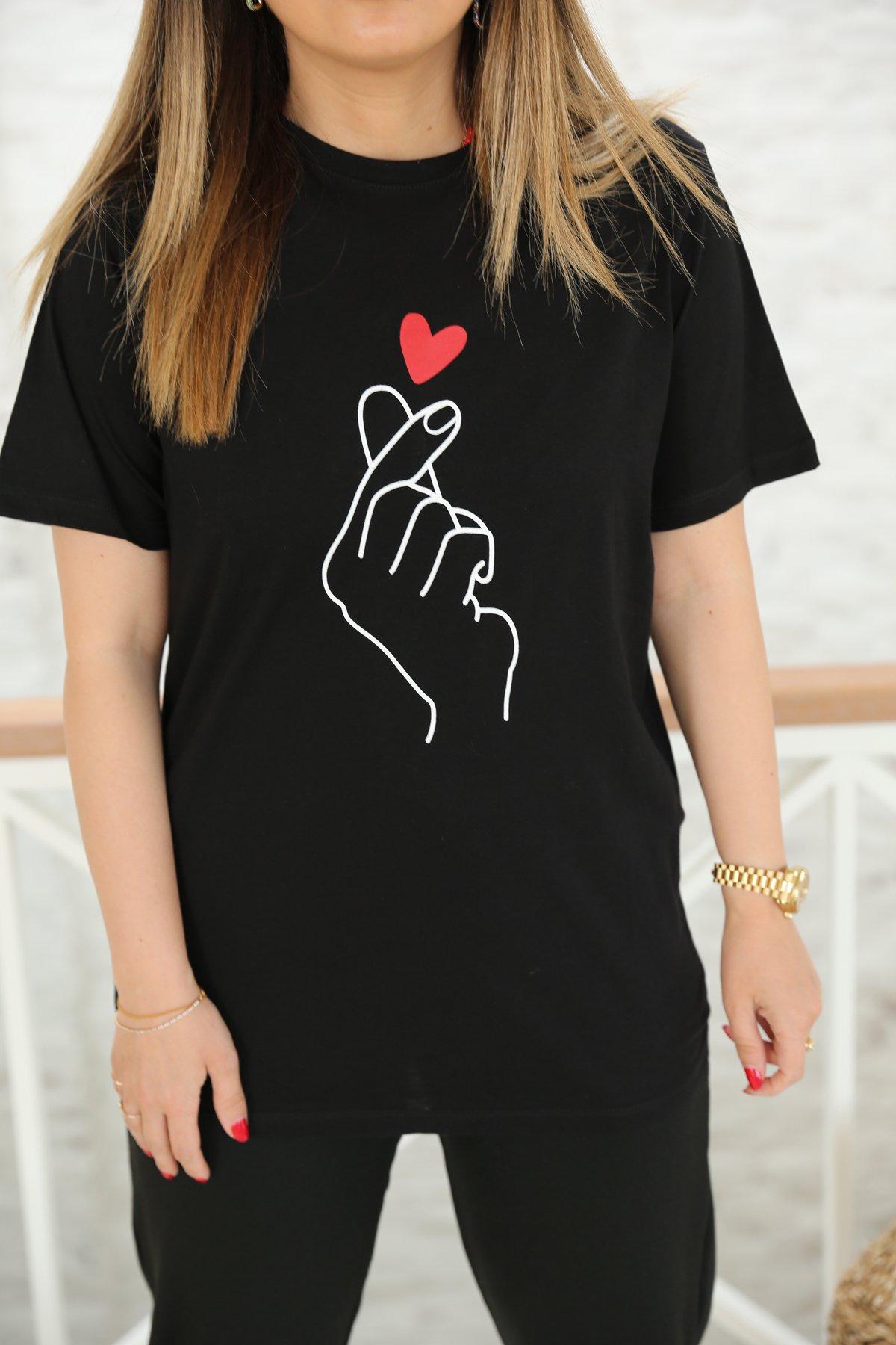 Kalp Baskılı Tişört