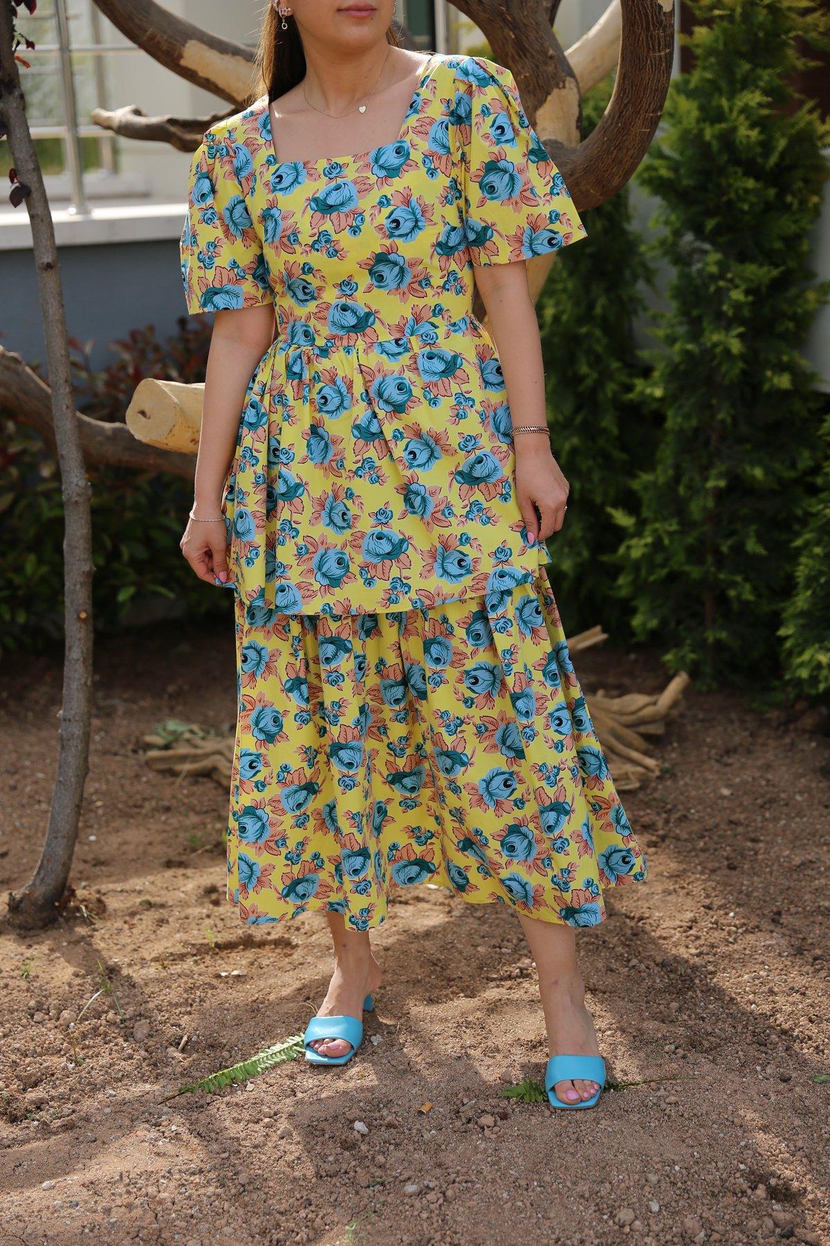 Kare Yaka Çiçekli Kat Kat Elbise