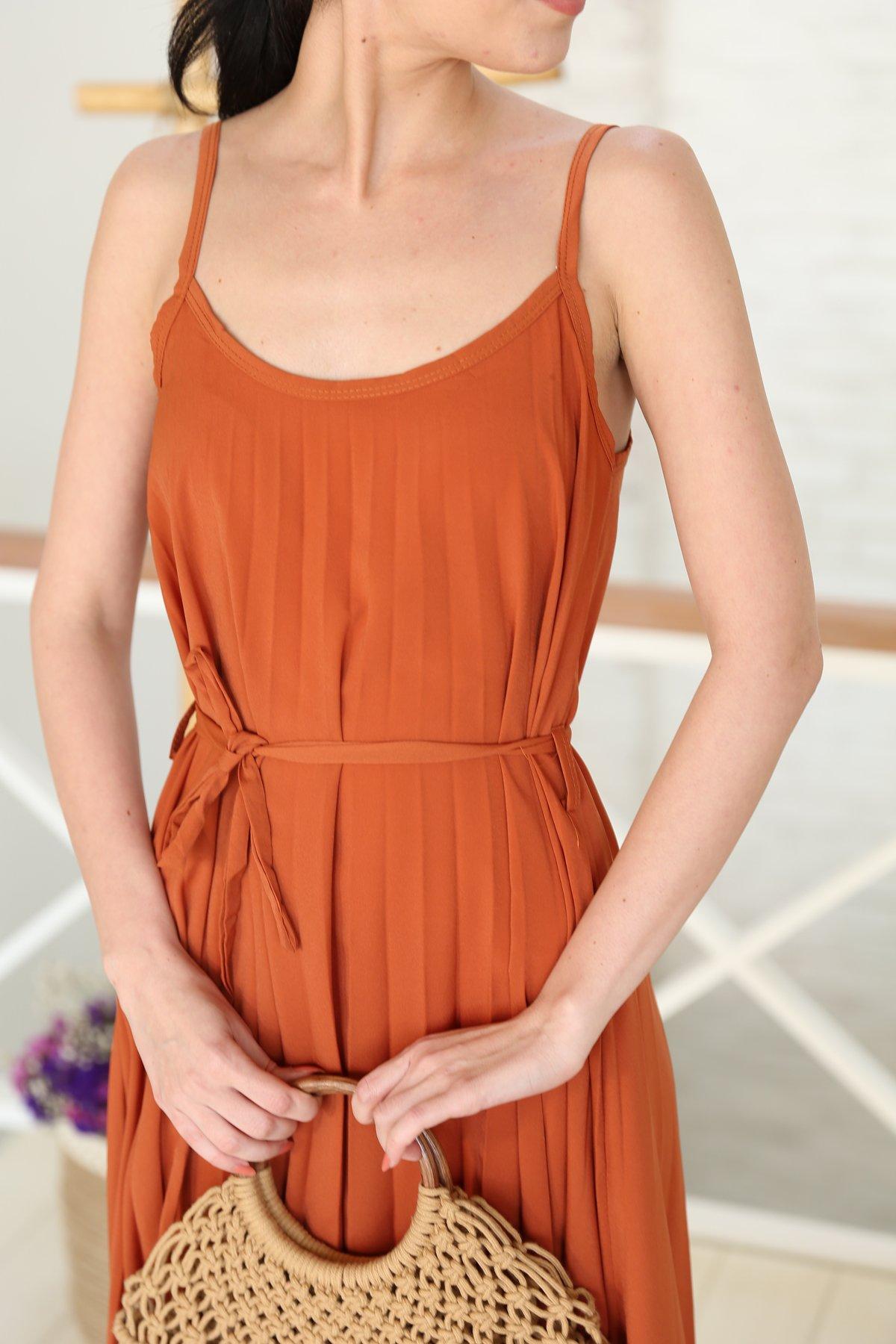 Askılı Pileli Salaş Elbise