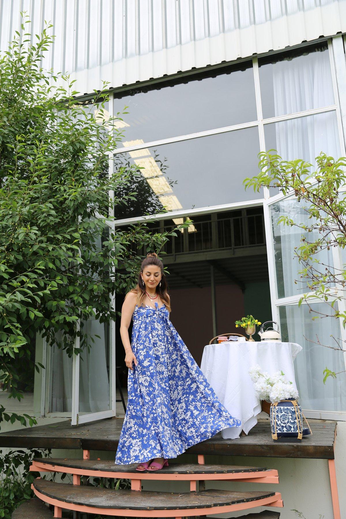 Sırtı Çapraz Askılı Desenli Elbise