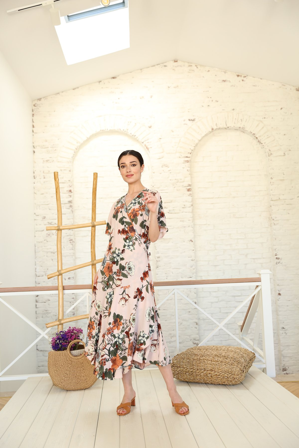 Önden Bağlamalı Çiçekli Elbise