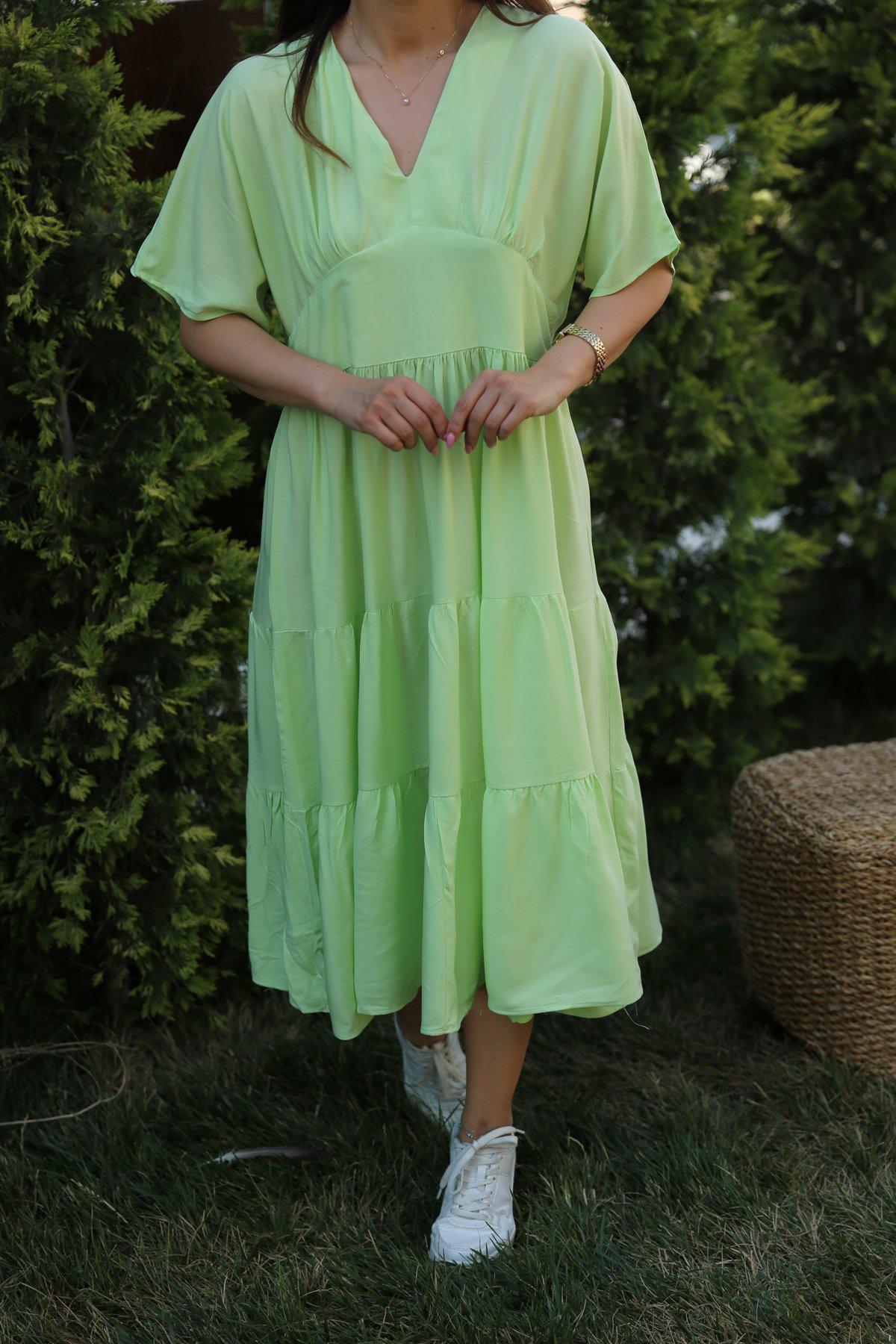 V Yaka Altı Pileli Elbise