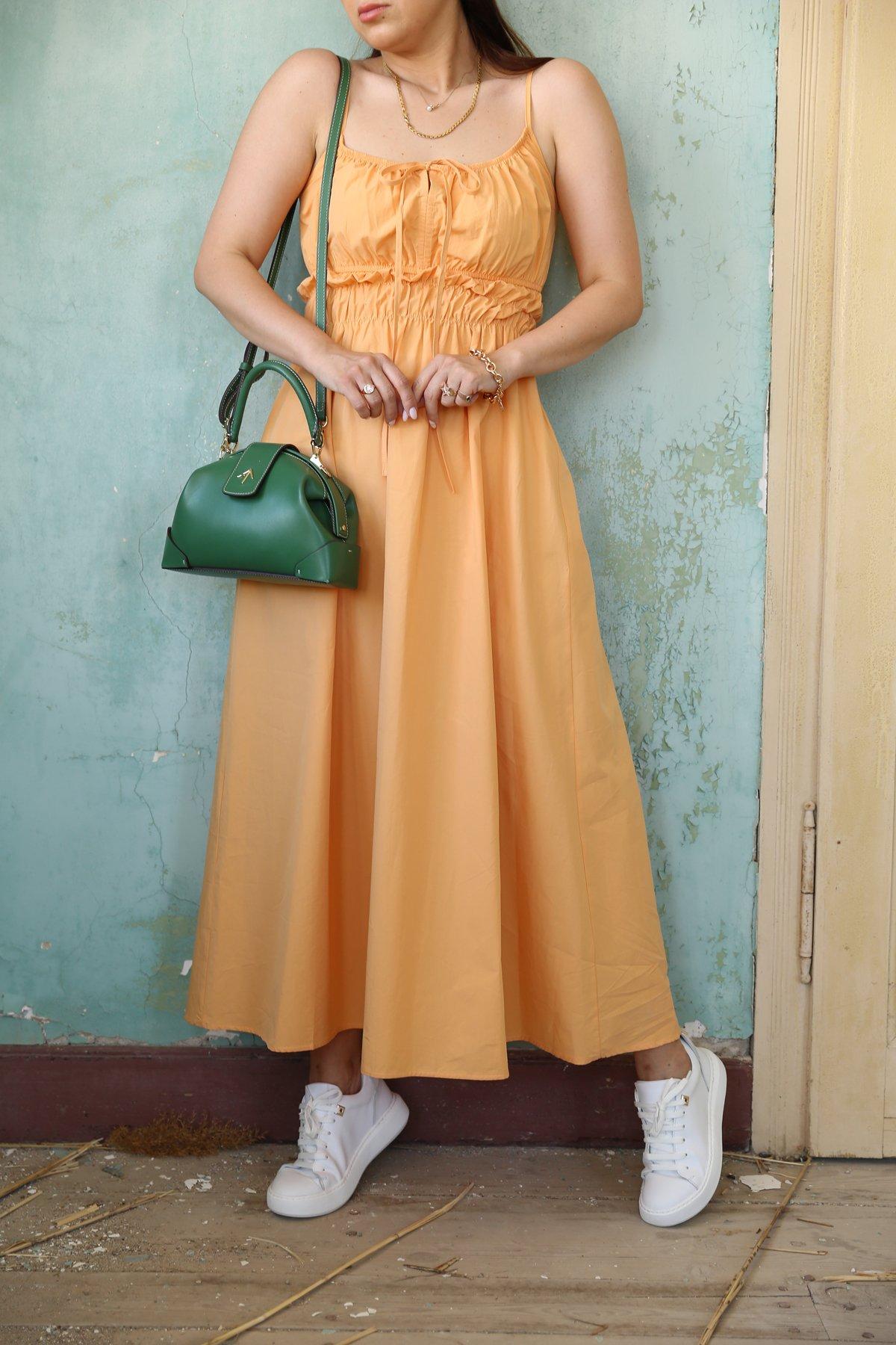 Beli Büzgülü Bağcıklı Elbise