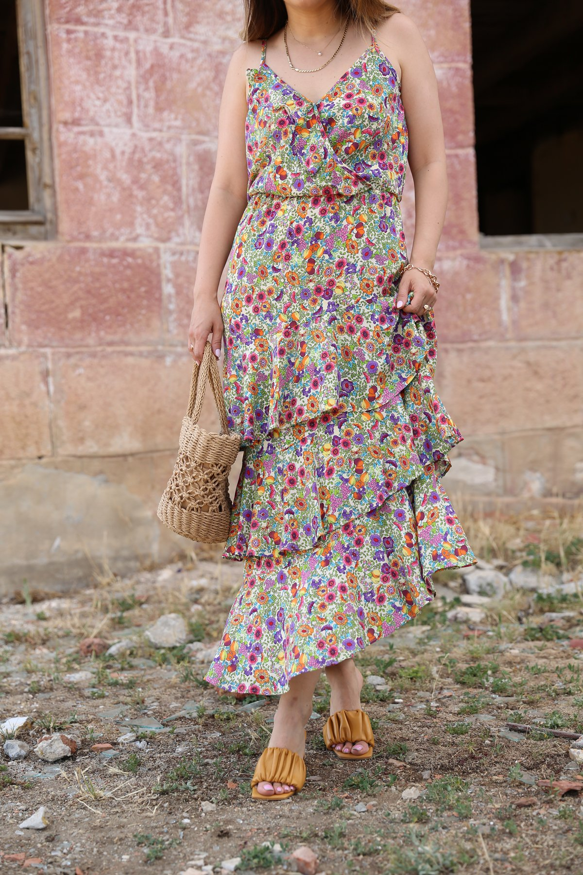 İp Askılı Asimetrik Kesim Elbise