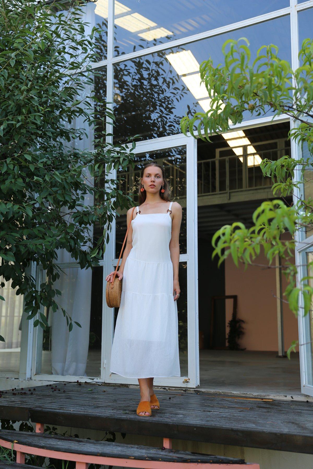 Sırtı Kuşaklı Askılı Elbise