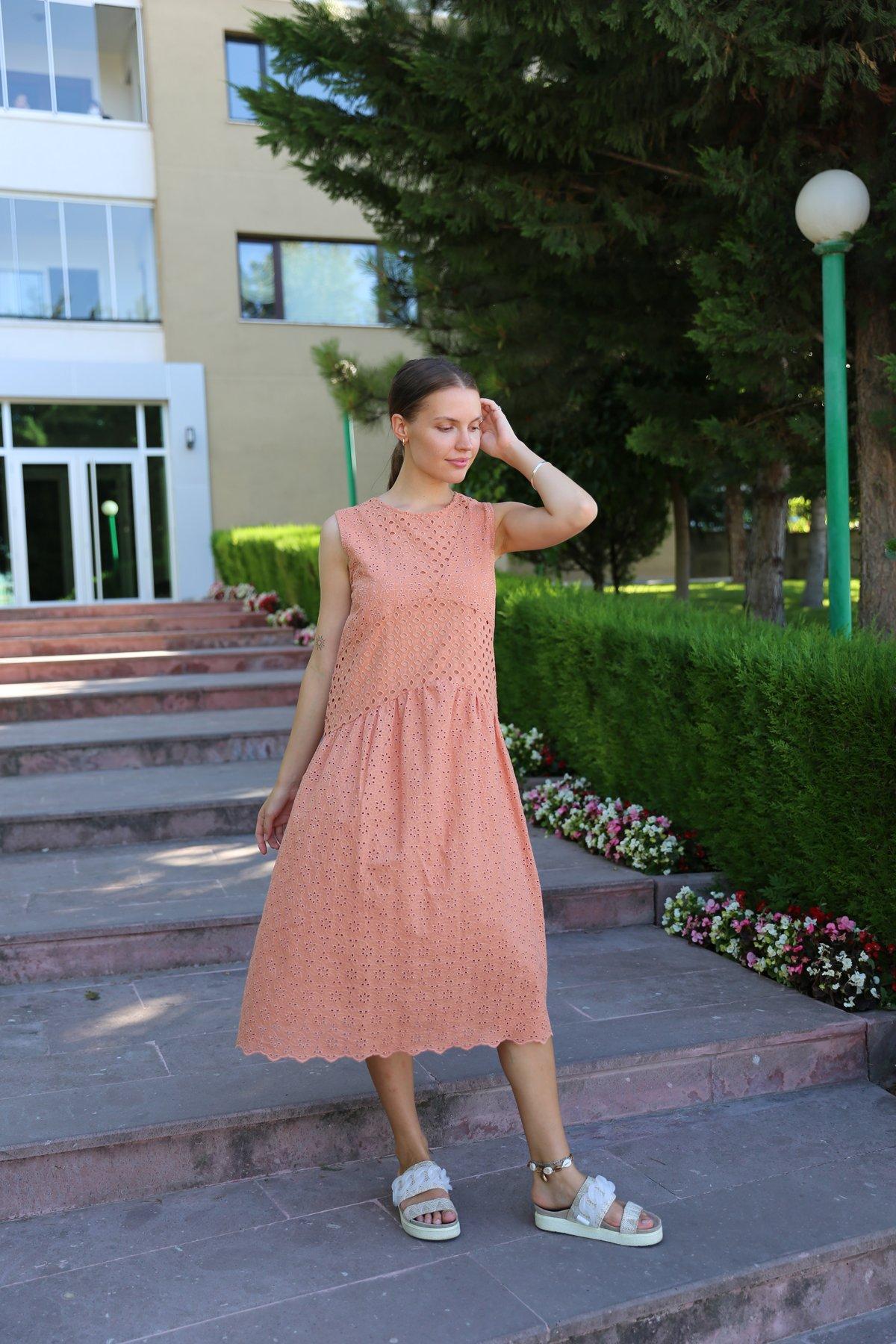 Kolsuz Fisto Elbise