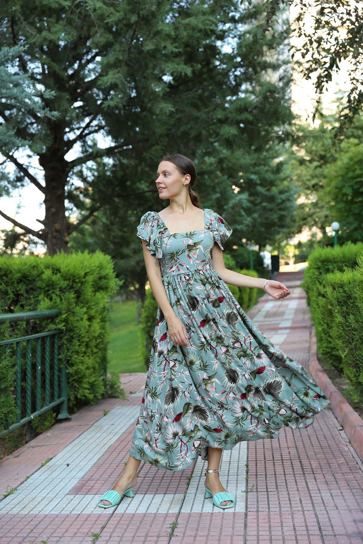Floral Desen Sırt Bağlamalı Elbise