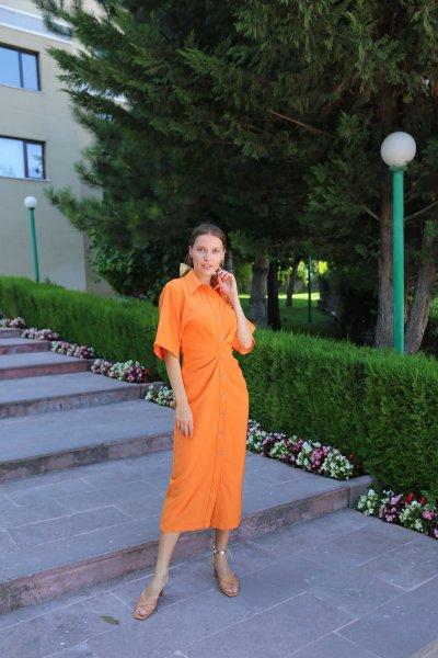 Boydan Düğmeli Büzgülü Elbise