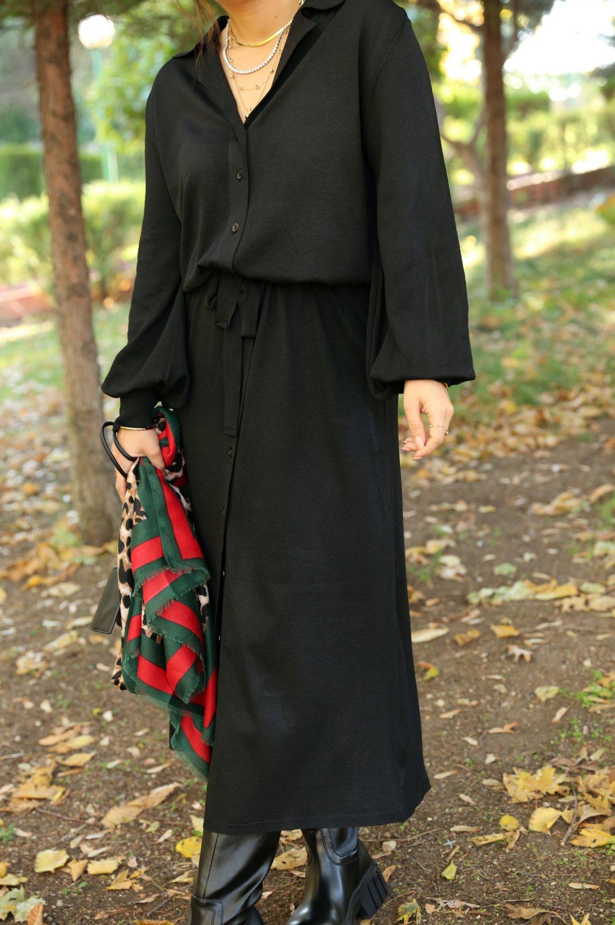 Belden Büzgülü Düğmeli Elbise