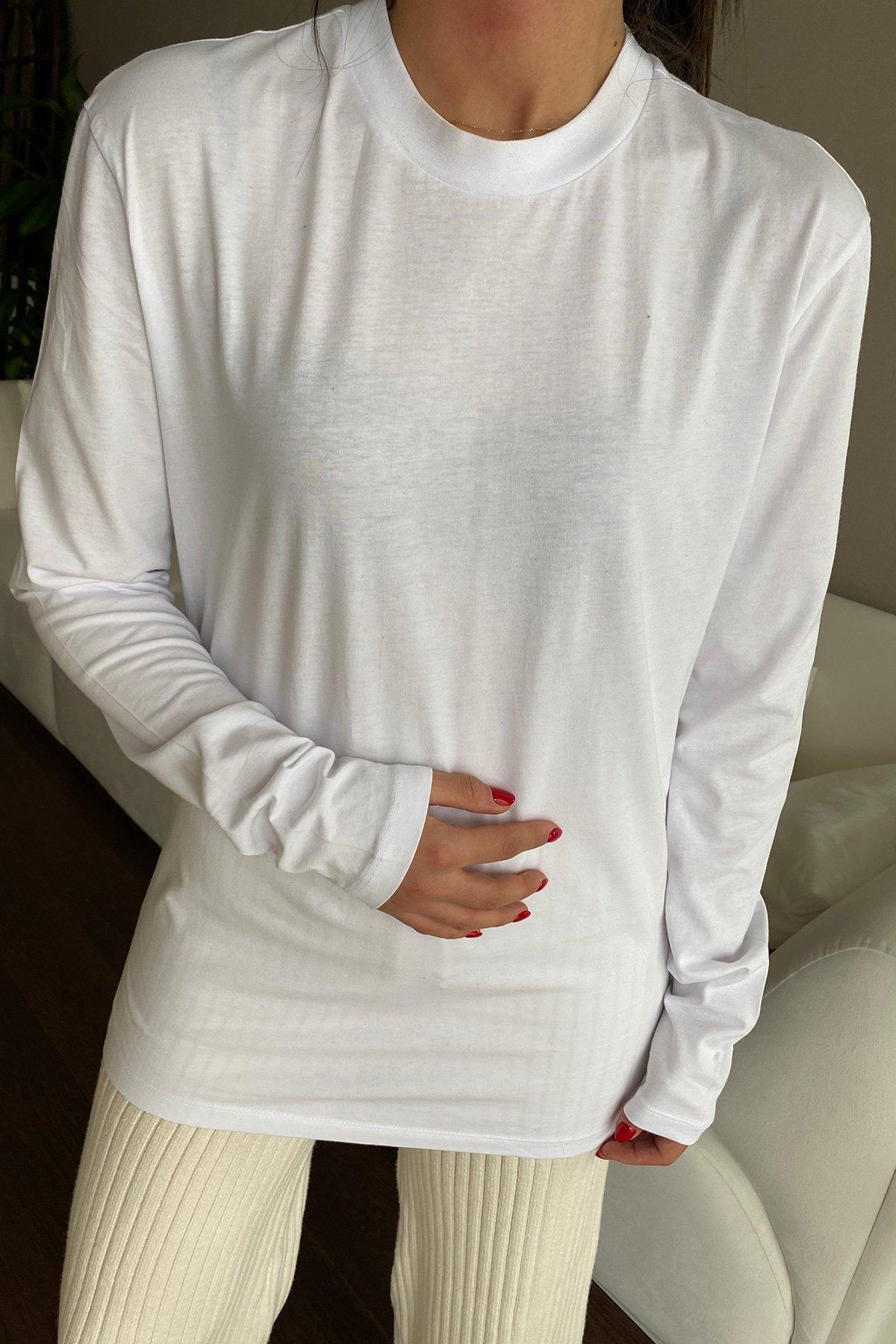 Dik Yaka Uzun Kollu Tişört