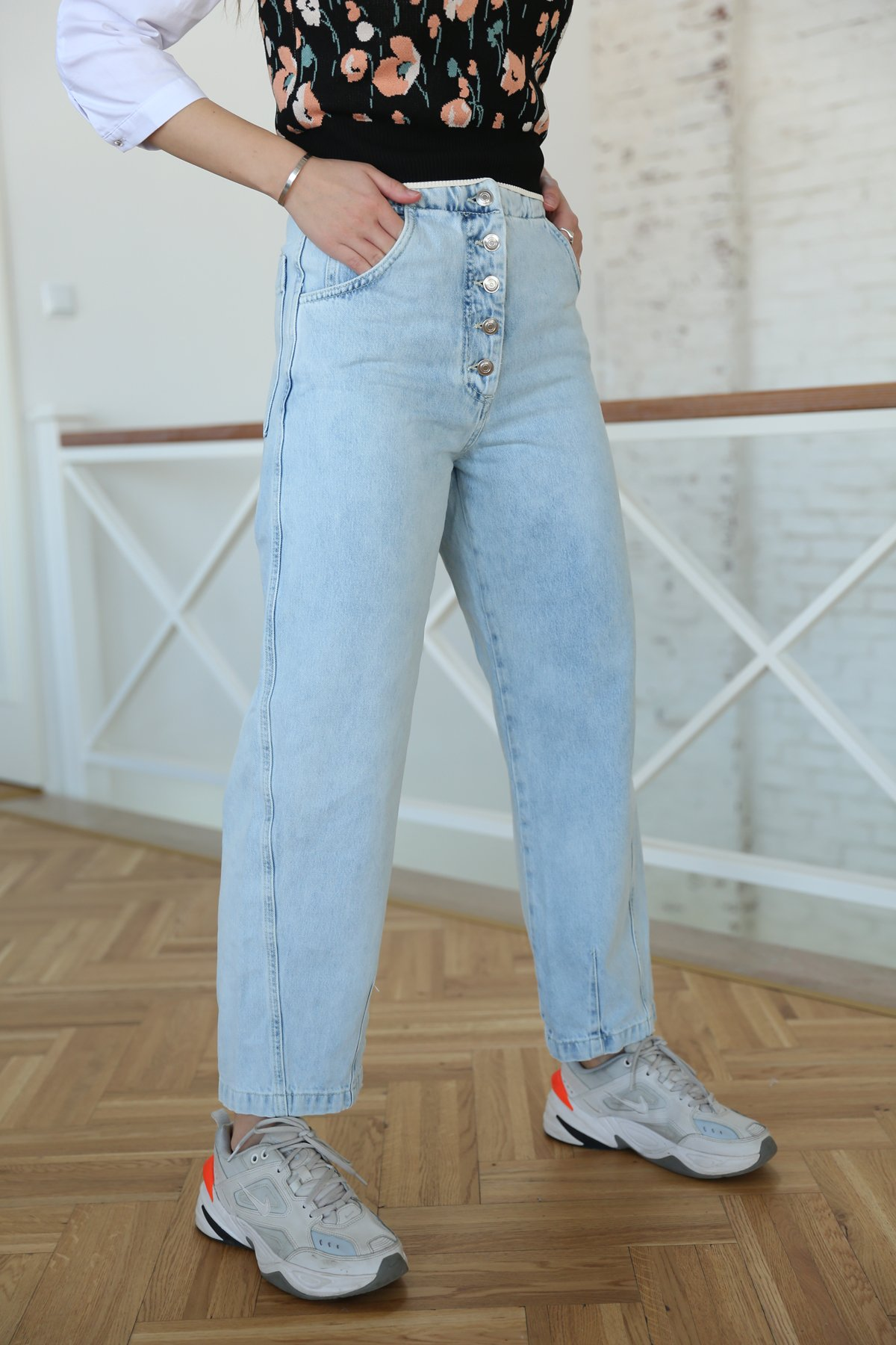 Kemer Detay Bol Paça Jean