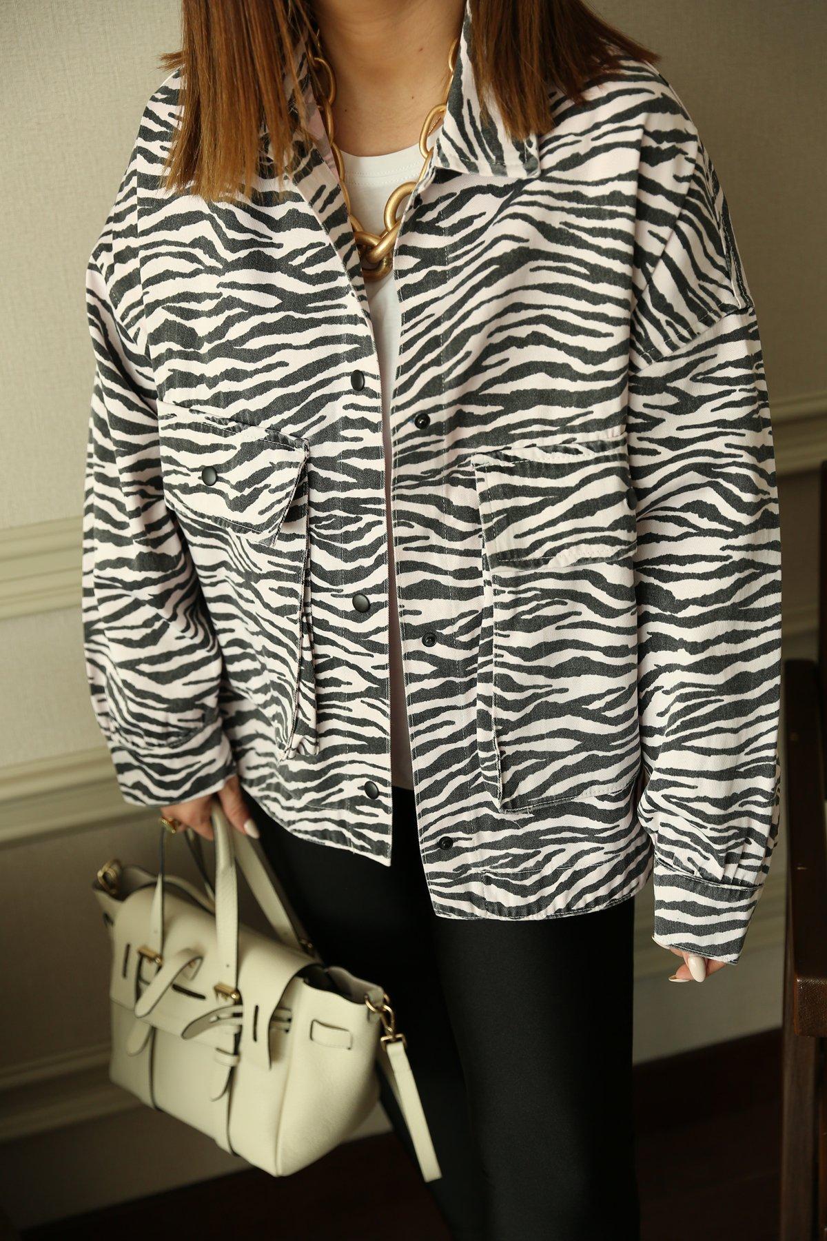 Çift Cep Zebra Desen Ceket