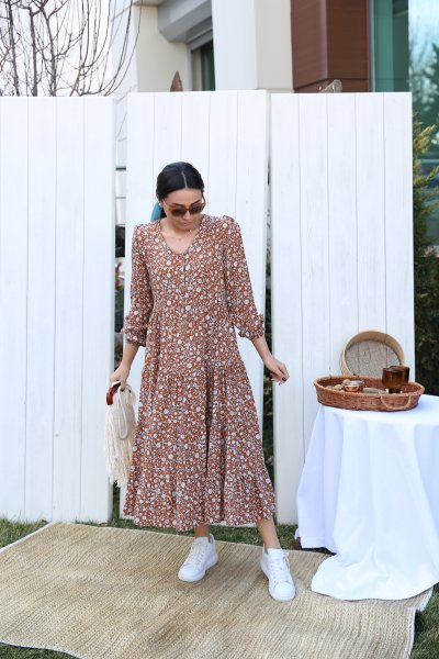 Kolları Lastikli Etek Altı Fırfırlı Elbise