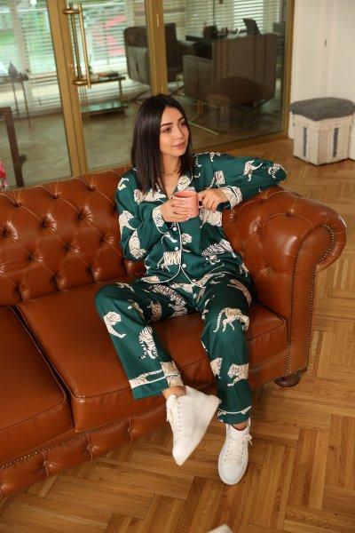 Kaplan Desenli Pijama Takımı