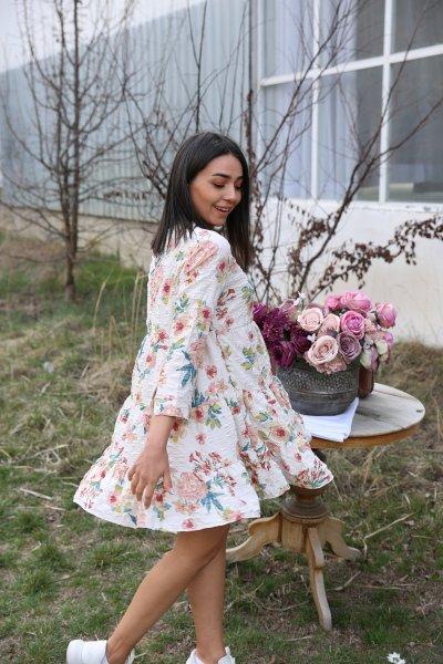 Çiçek Desen Kısa Elbise