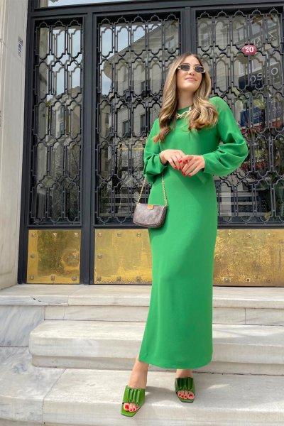 Kol Büzgülü Yanı Yırtmaçlı Elbise