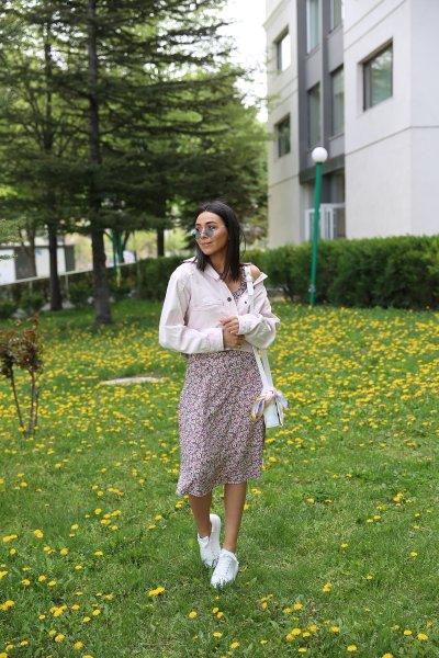 Çiçek Desenli Sırtı Gipeli Askılı Elbise