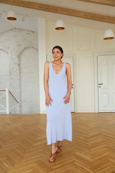 Önü Arkası V Askılı Elbise