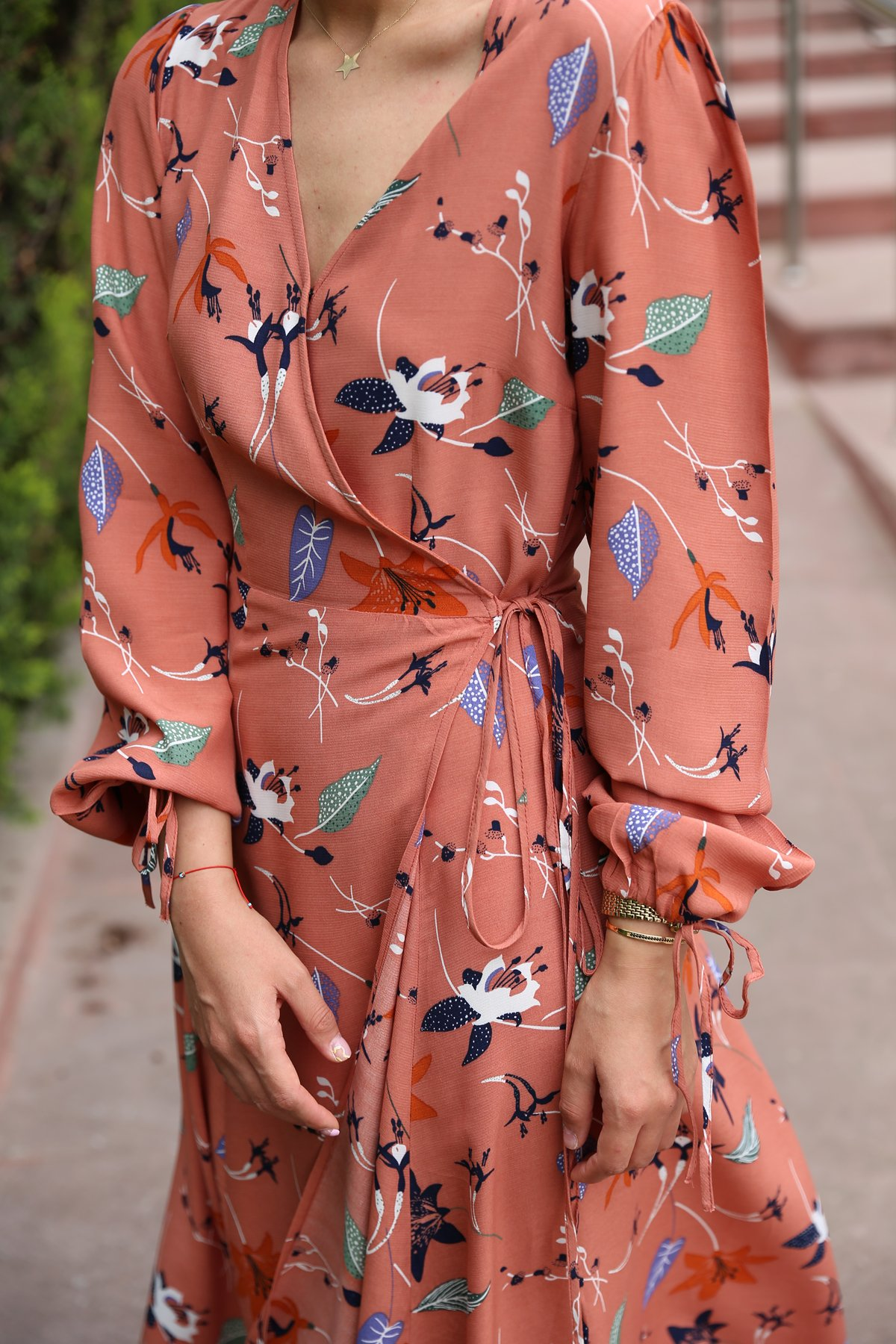 Yandan Bağlamalı Desenli Elbise