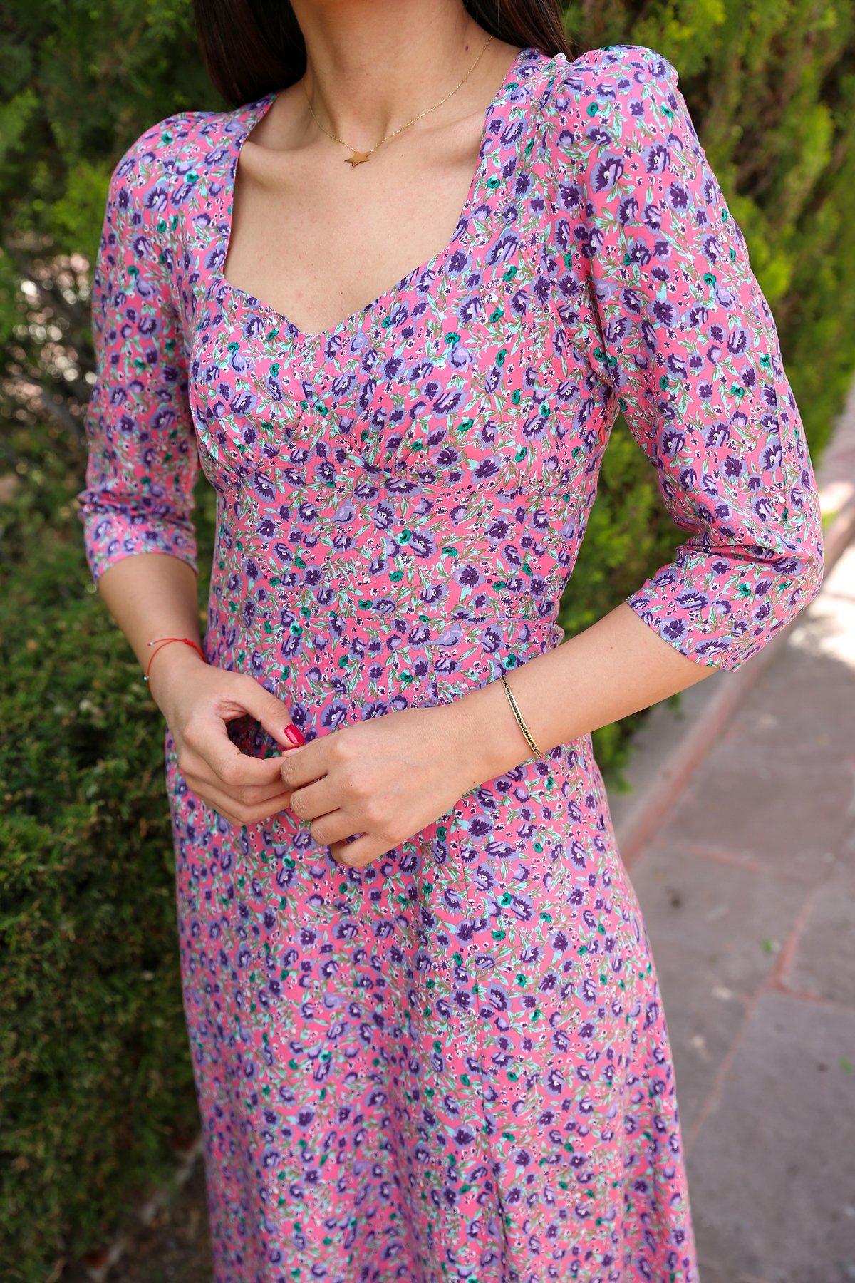 Çıtır Çiçek Desen Yırtmaçlı Elbise