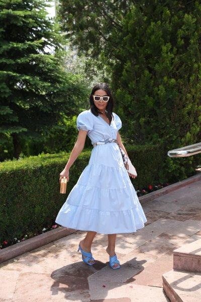 V Yaka Balon Kol Boydan Düğmeli Elbise
