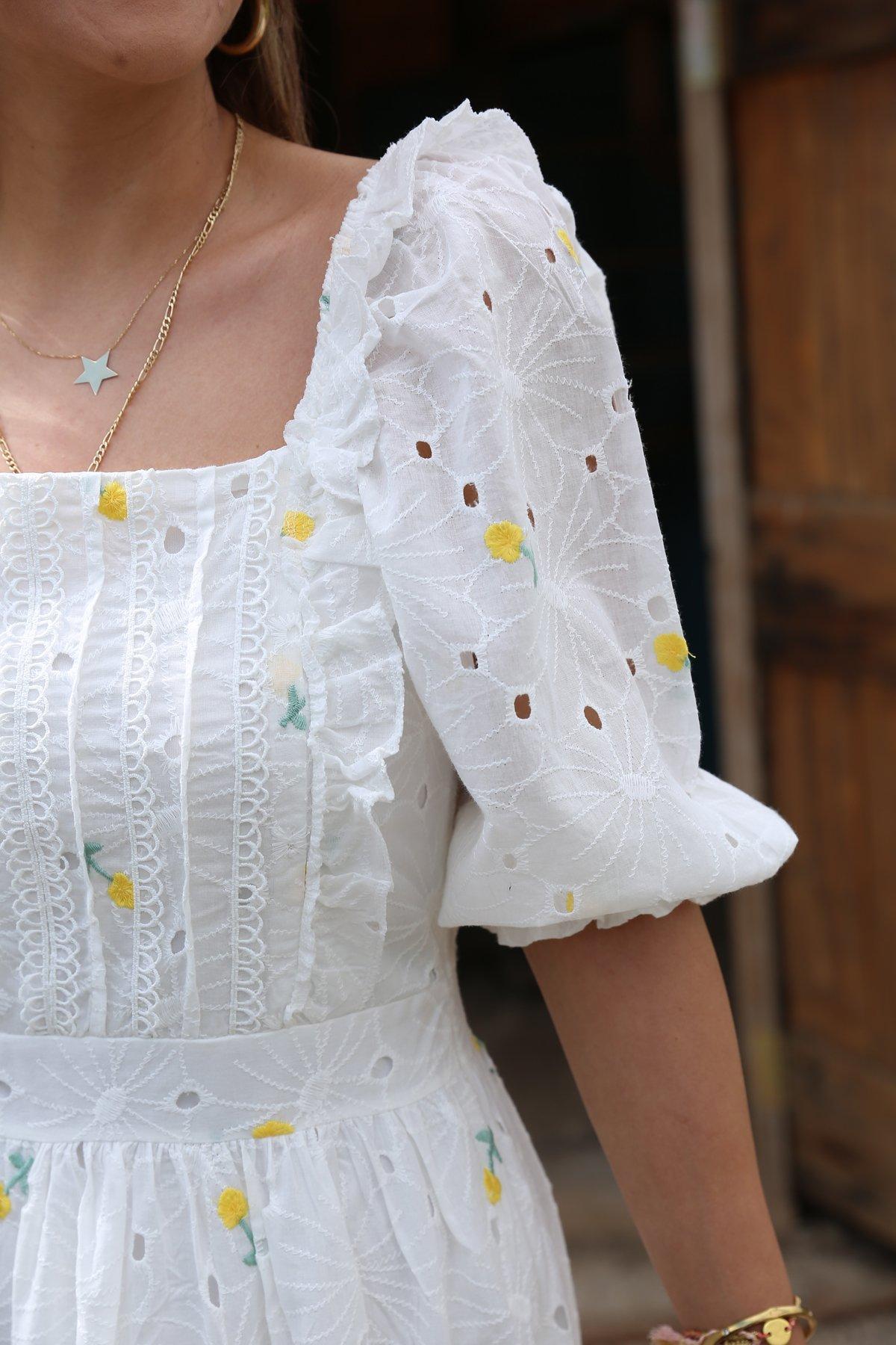 Kare Yaka İşlemeli Tasarım Elbise