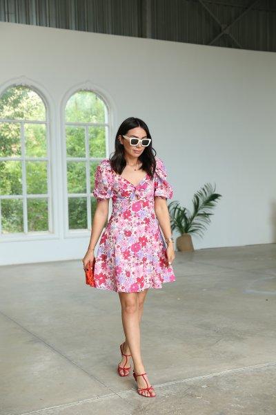 Yaka Düğüm Detay Çiçekli Elbise
