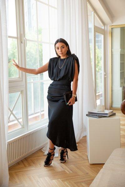 Apolet Ve Zincir Detay Tasarım Elbise