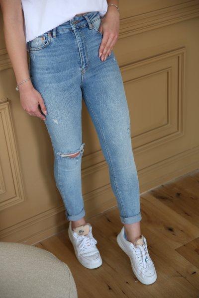 Tek Dizi Yırtık Detay Jean